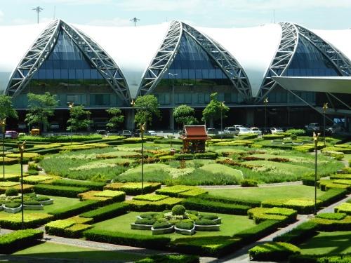 Another airport garden.