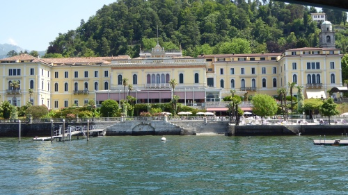Imposing hotel on shores of Bellagio: not our hotel!