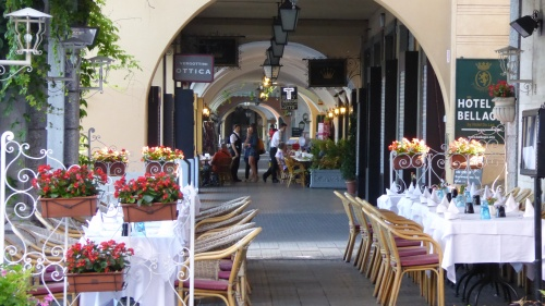 The foreshore arcade at Bellagio
