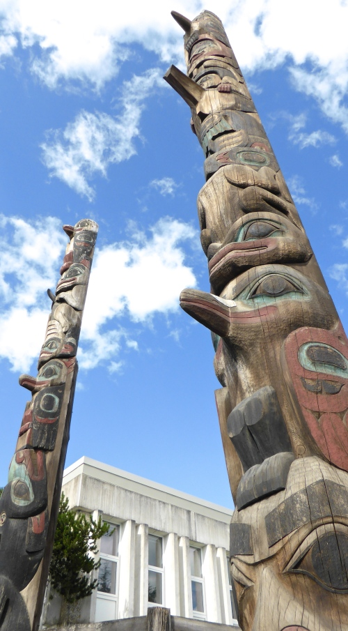 Totem poles © DY  of  jtdytravels; P1100553